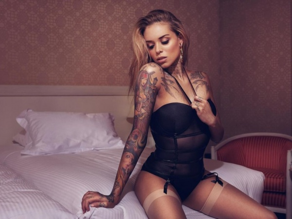 Девушки с эротическими татуировки фото