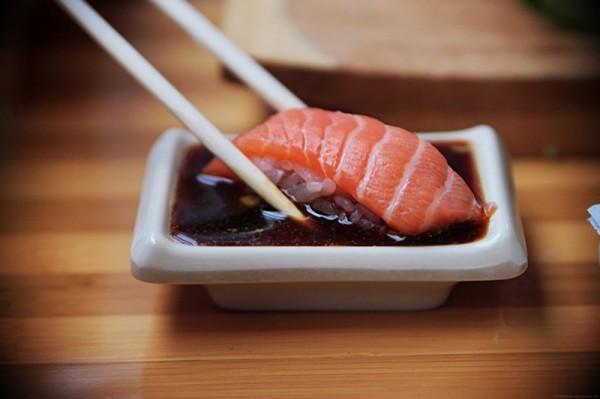 как правильно кушать суши8