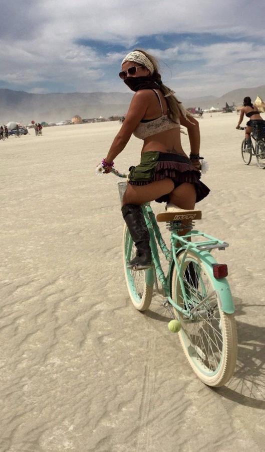 Сексуальные велосипедистки9