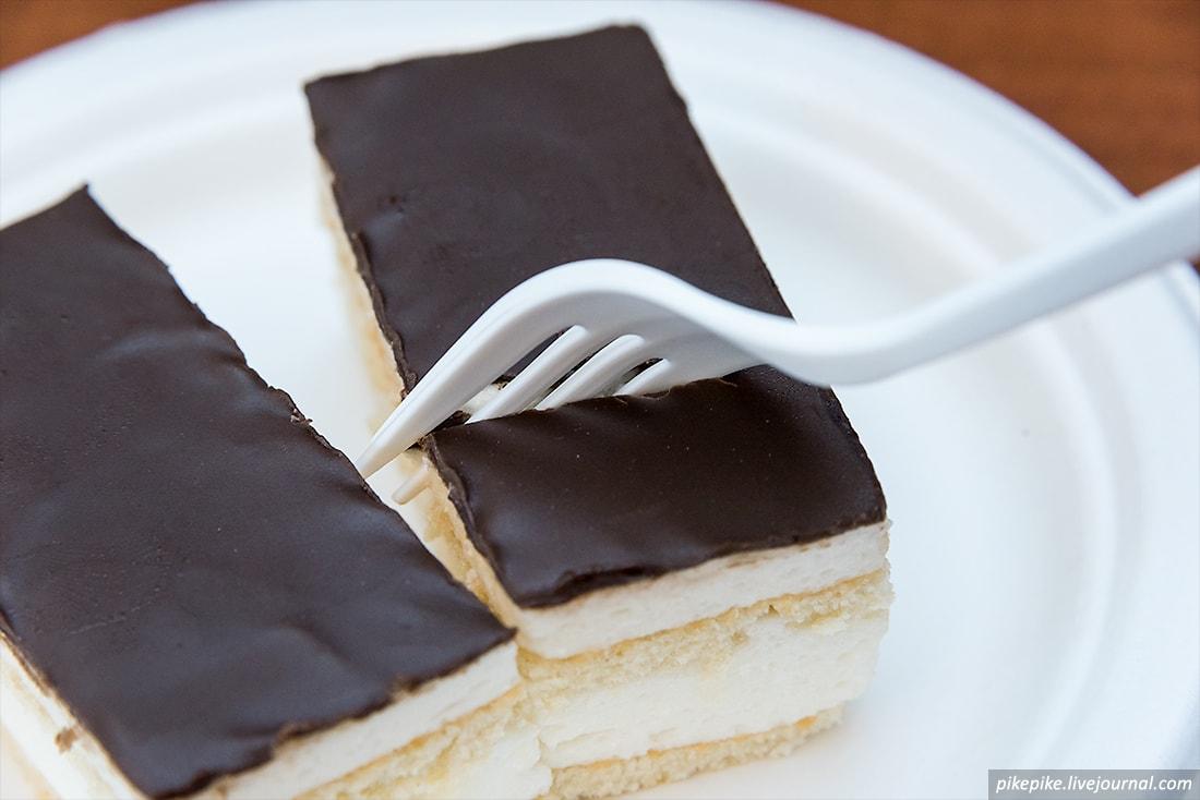 Десерт крупно