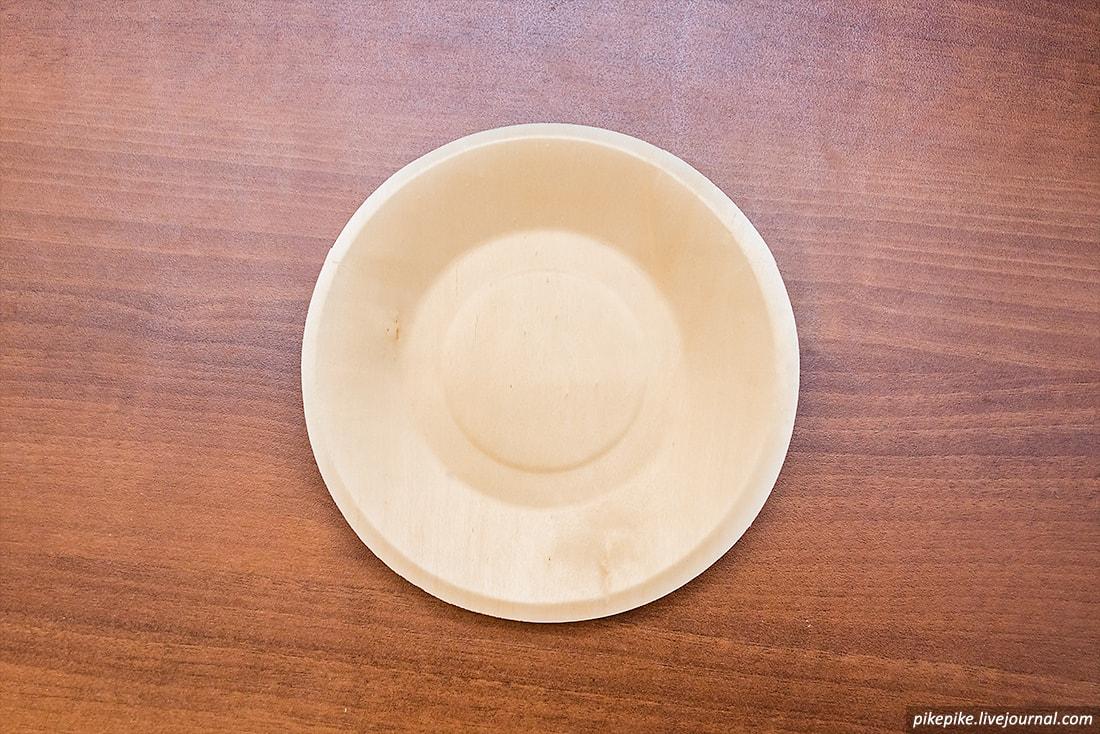 Одноразовая деревянная тарелка