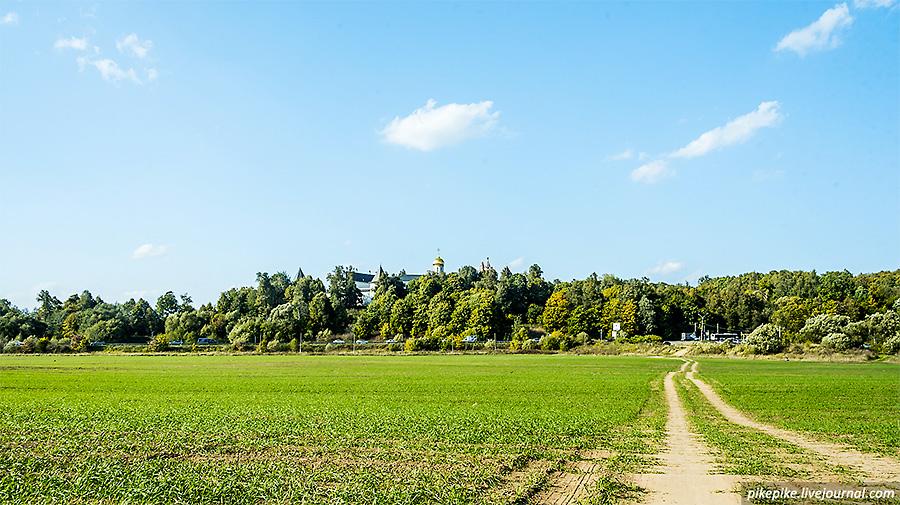 Вид на Саввино-Сторожевский мужской монастырь