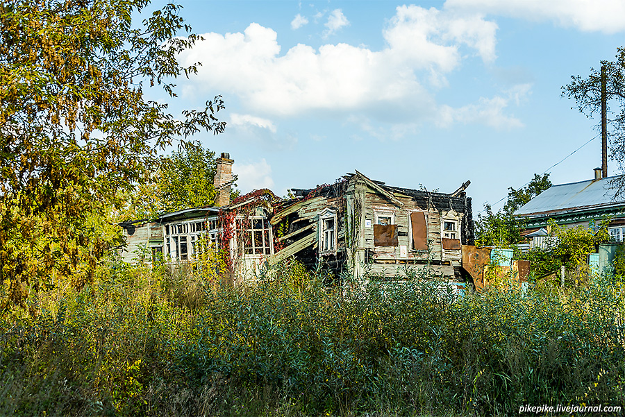 Разваленный домик