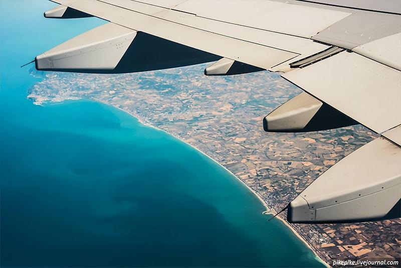 Как узнать, что сфотографировал из иллюминатора самолета? -