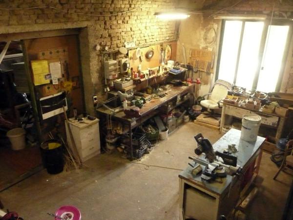 Столярная мастерская в подвале жилого дома