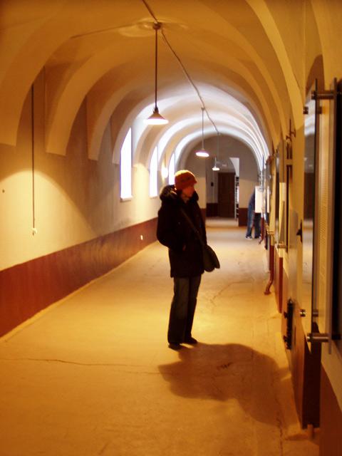 Уютный тюремный коридор