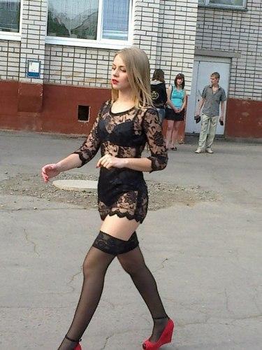 Шокирующие фото выпускных платьев