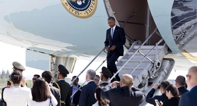 Кто и зачем унижал Обаму