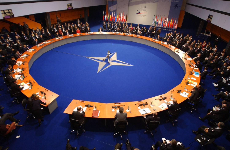 брифинг НАТО