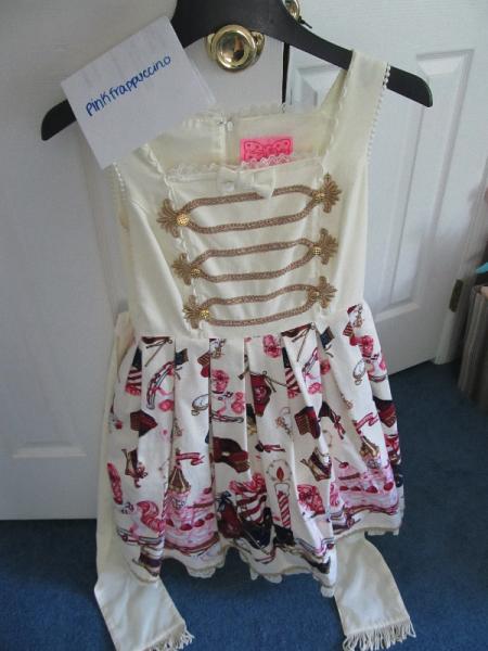 Dresses 018