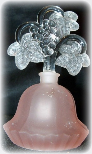 vintage_perfume_glass_bottle