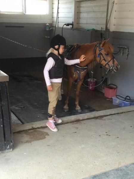 Thea og hest