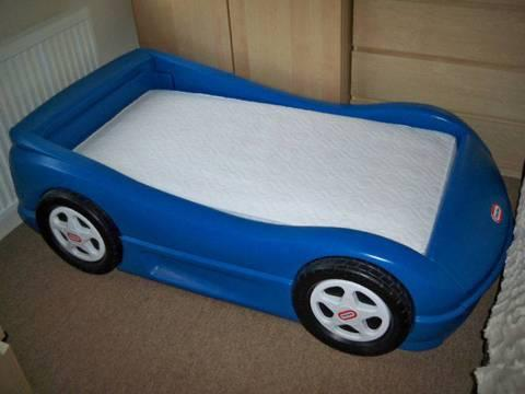 blue-little-tykes-toddler-race-car-bed-with-mattress-for-150_5851924