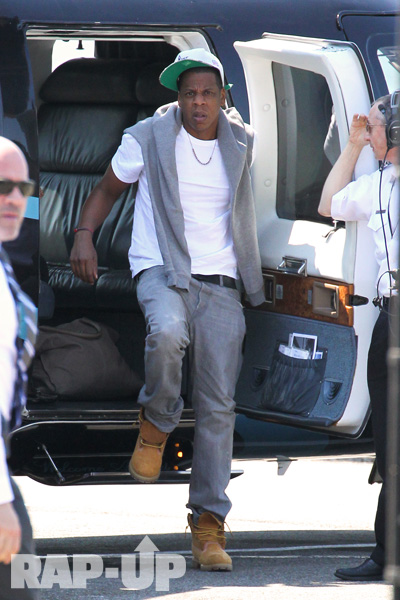 jay-z-blue-ivy-helicopter-6