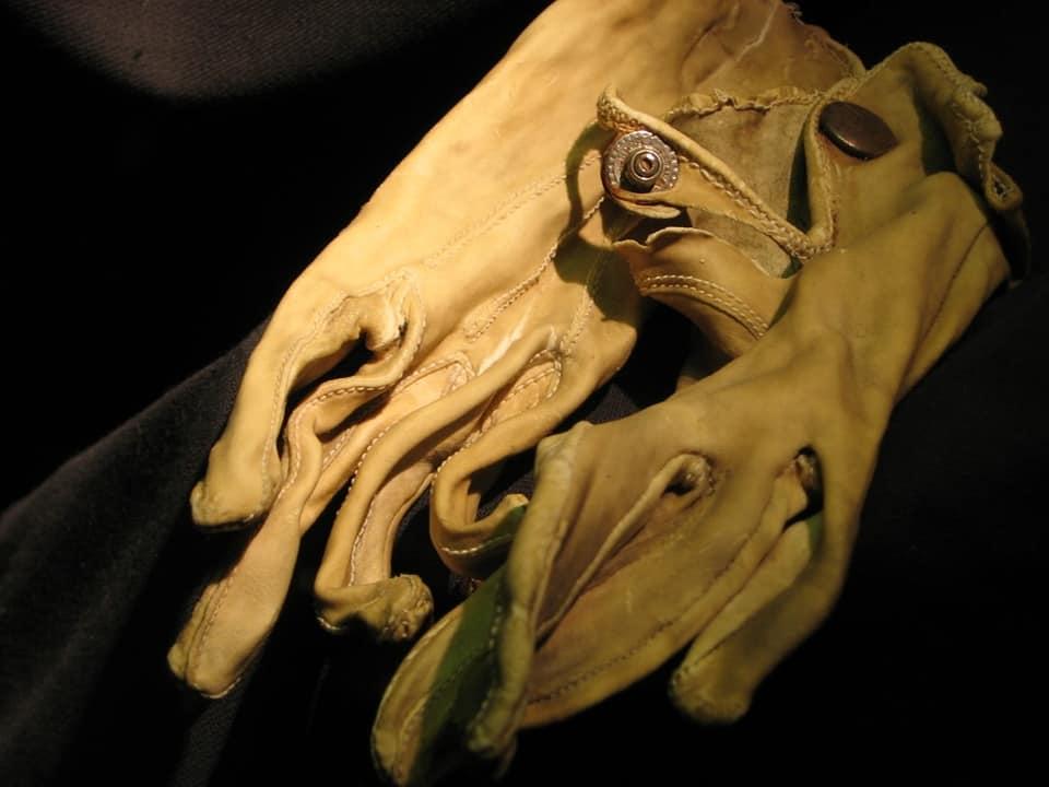 Статусные перчатки офицера СС, особый шик из кожи детей ,