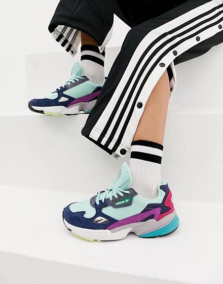 dad sneakers https://www.asos.com/ru/adidas-originals/myatnye-krossovki-s-raznotsvetnymi-vstavkami-adidas-originals-falcon/prd/9976698?clr=zelenyj&SearchQuery=&cid=6456&gridcolumn=2&gridrow=2&gridsize=4&pge=1&pgesize=72&totalstyles=617