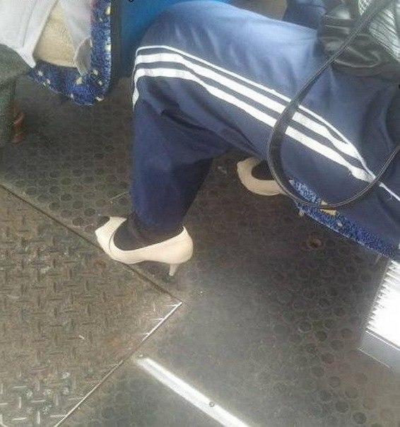 46-seksualnost-i-bezvkusitsa-obuv