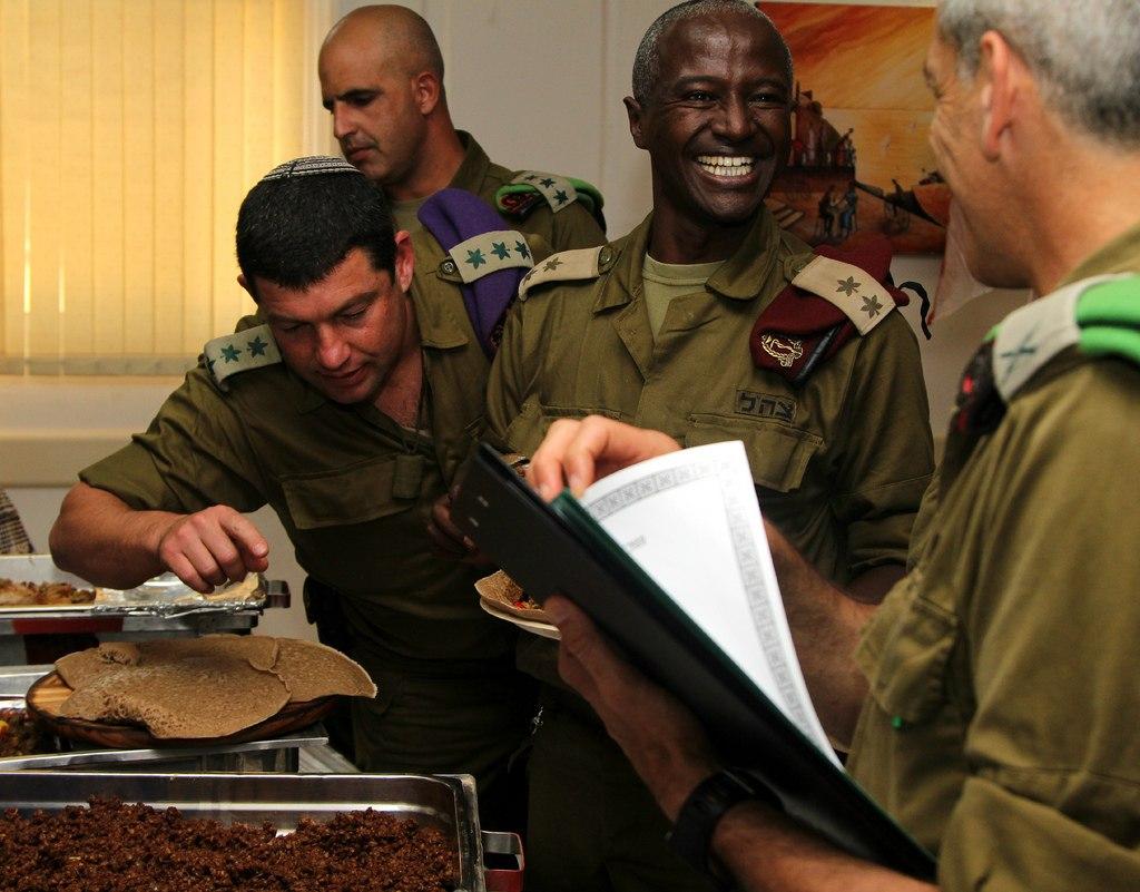 Pertandingan memasak di kem tentera israel 10pics politik