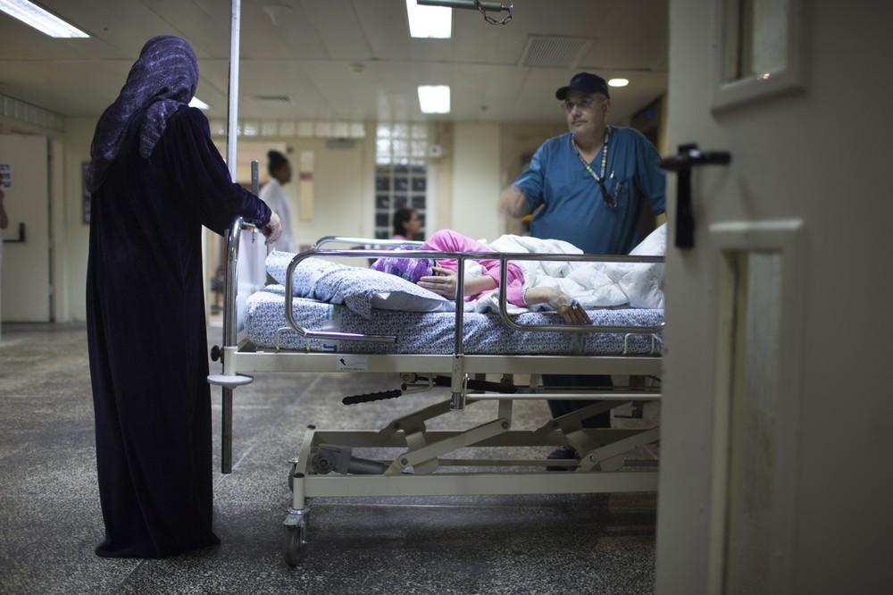 Раненые сирийцы в израильской больнице