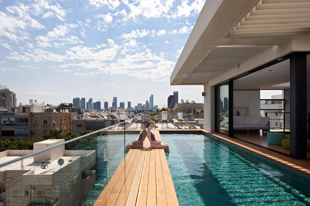 Таун-хаус с бассейном в Тель-Авиве