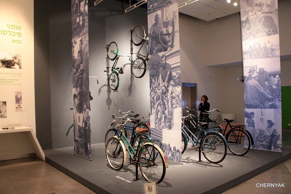 Выставка велосипедов в Холоне