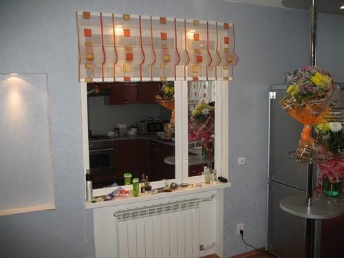 Фальш-окно в кухне. Очень реалистичное, не правда ли