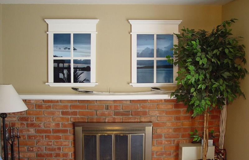 Декор стены между окнами