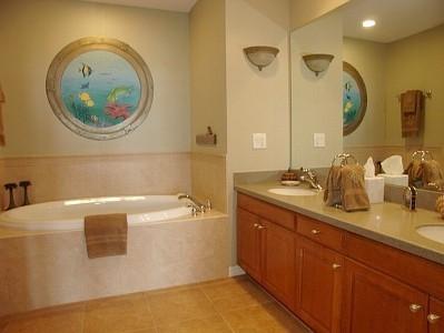Ложный иллюминатор для ванной