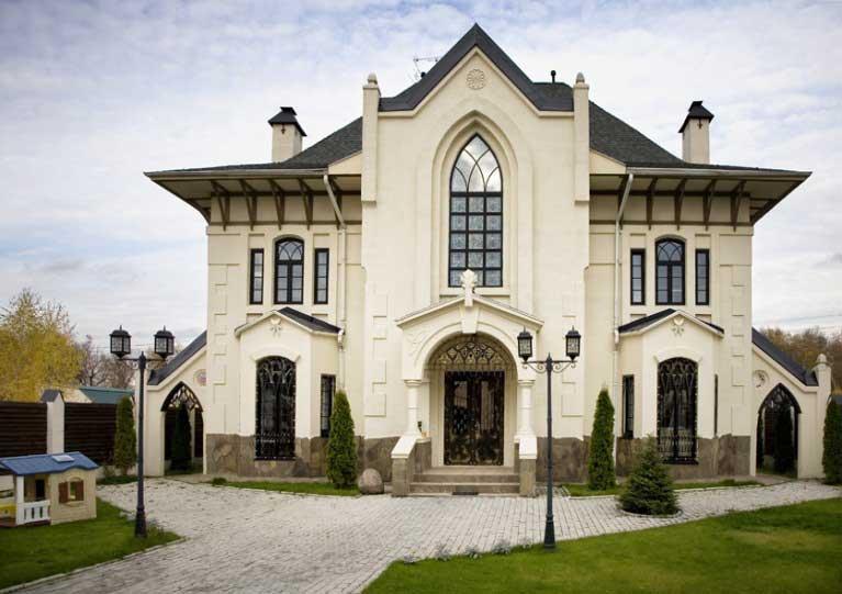 Коттедж в готическом стиле