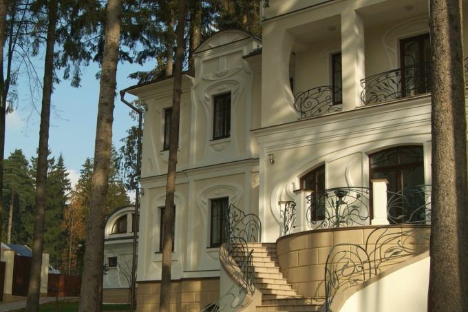 Классический стиль загородного дома