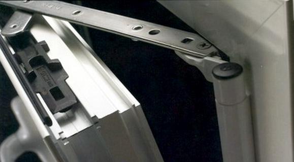 фунитура для окна из алюминия