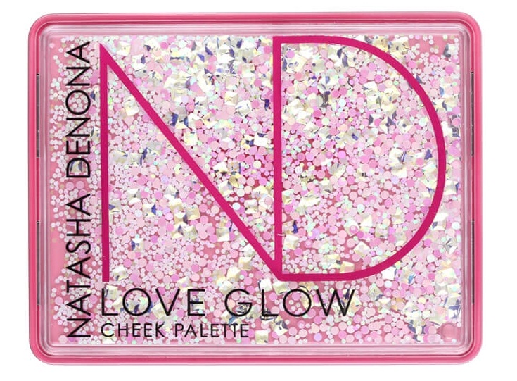 love glow cheek closed_990_803.jpg