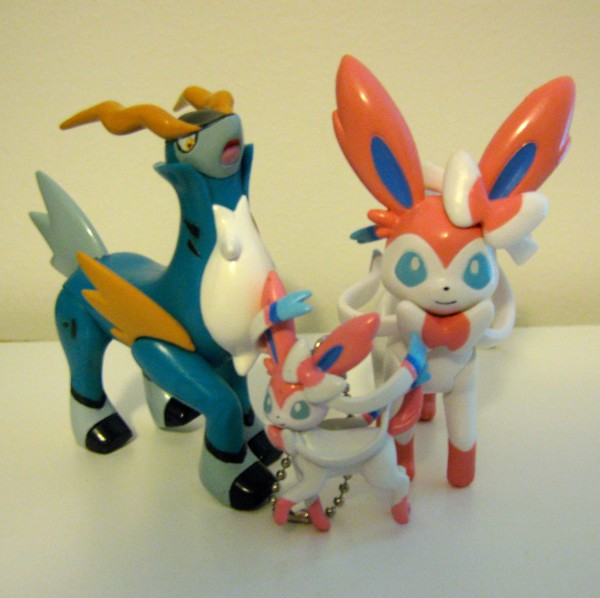 2014 Con Pokemon Figures