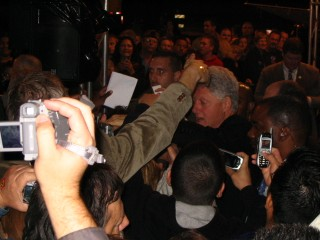 Clinton leaves the stage and the crowd swarms after him!