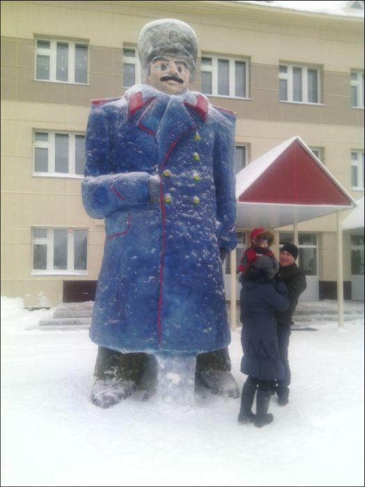 kreativnye-snegoviki-iz-tatarstana-0-001 (1)
