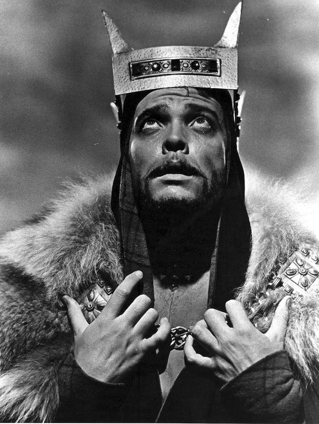 Орсон Уэллс сам сыграл Макбета в своем фильме.