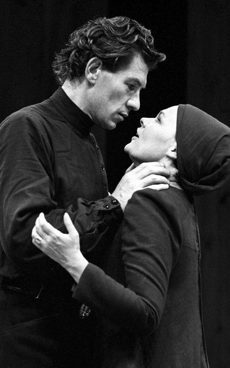 А Джуди Денч - самая знаменитая театральная Леди Макбет.