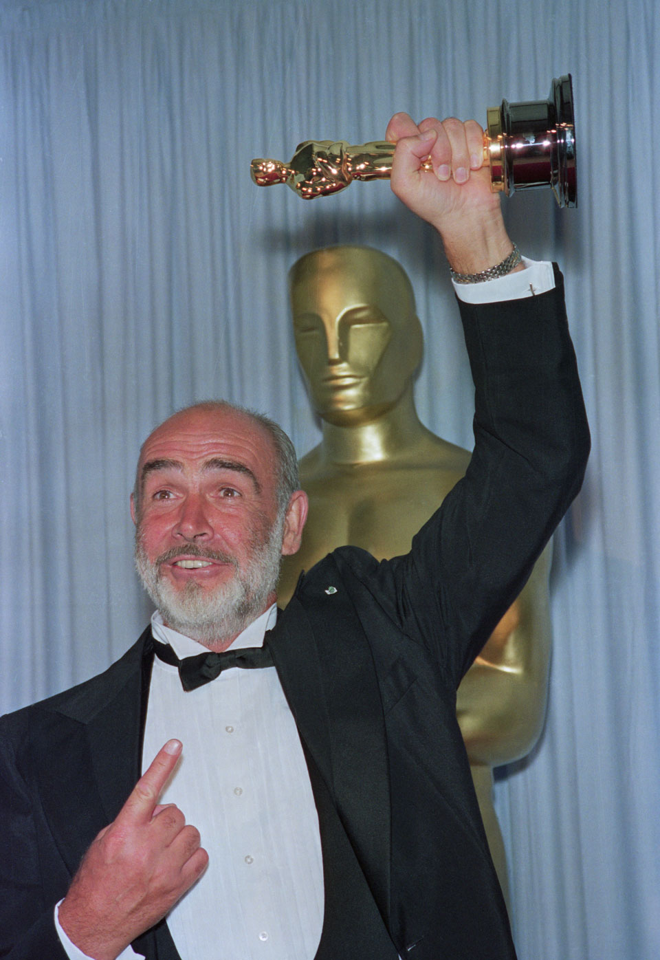 Шон Коннери получил Оскар.