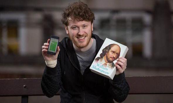 Учите стихи, монологи и тексты ролей через свой смартфон.