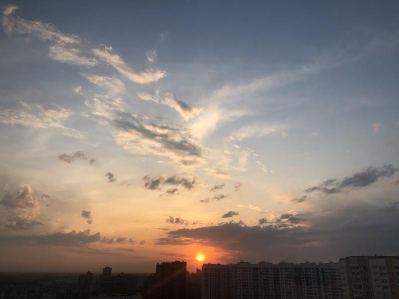 Даже лучик солнца может стать прекрасным впечатлением от прожитого дня.