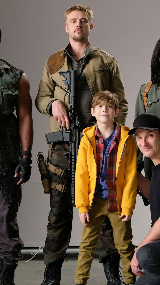 Режиссер и взрослый актер, который больше всего работал с Джейкобом, уделили очень много внимания ребенку. Как до съемок, работая над ролью и проводя вместе досуг, так и на съемочной площадке, играя с ним и веселясь.