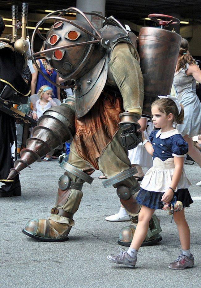 Можете тоже облачиться в костюм пострашнее, чтобы ваших детей никто не доставал.