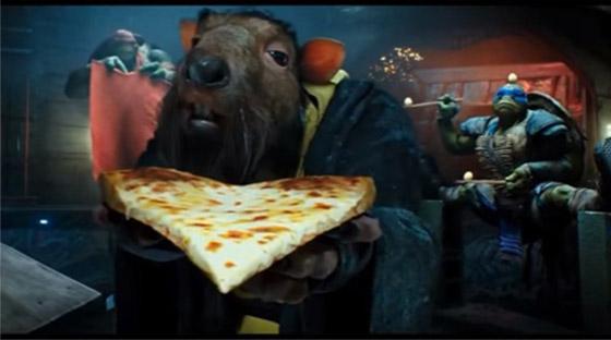 Сплинтер тоже любит пиццу.