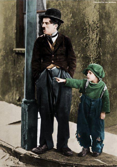 """""""Вон тот дядя сказал, что я не пойму твоих шуток!"""""""