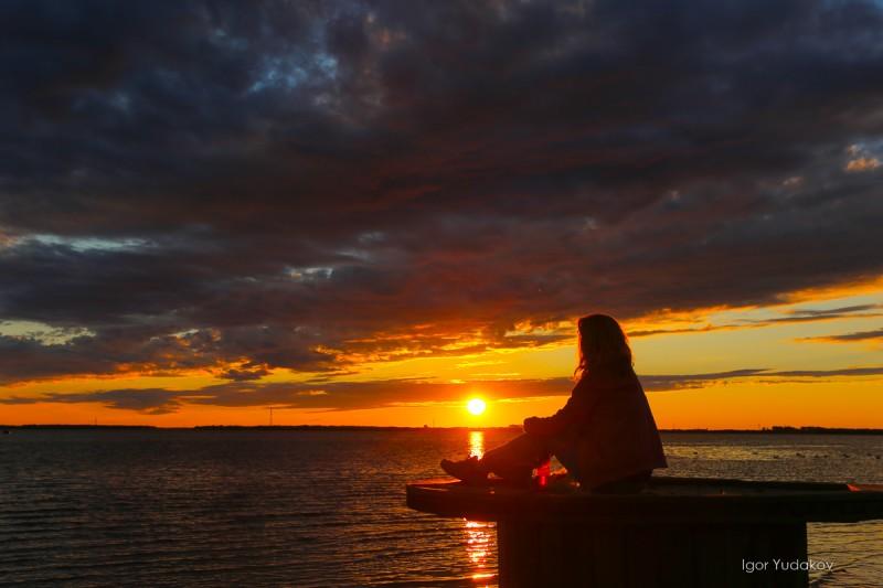 Закат на Двине. Фото: Игорь Юдаков