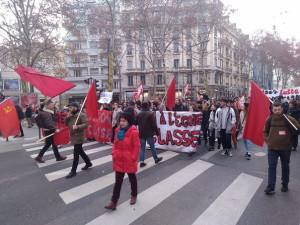 Лион протестует под красными флагами