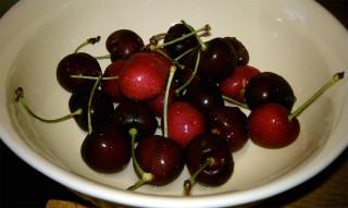 06-20-2010: It's cherry season!