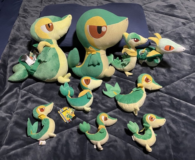 My favorites! The Snivy, Servine, and Serperior plushes! Now if only I could get my hands on the elusive shiny Snivy Tomy plush...