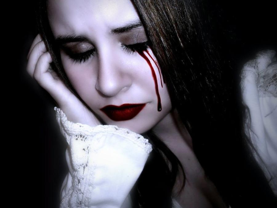 плачет кровавыми слезами.jpg