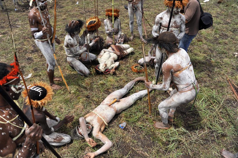 племя каннибалы амазонки людоеды эротика фильм скачать